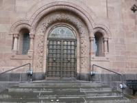 Eingangstür der Erlöserkirche.
