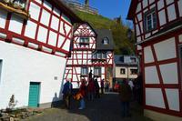 090 Vulkaneifel, Monreal, Fachwerkperle im Elzbachtal