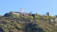 131 Schifffahrt durch das Mittelrheintal, Burg Sterrenberg