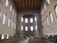 In der Konstantin-Basilika