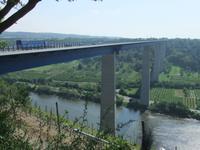 Die 136 m hohe Moseltalbrücke