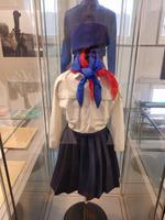die ehemalige Pionieers Uniform der Mädchen