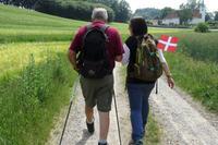 Wanderführer Ole und Reisebegleiterin Mandy in Mols Bjerge