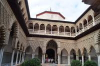 Im Innern des Alcazar: Der Patio de las Doncellas