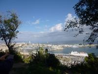 Blick vom Montjuic auf den Hafen