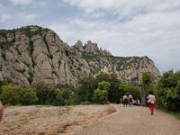 Kloster und Wanderund in Montserrat Berglandschaft (1)