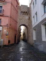 Schmal sind die Straßen in Cádiz