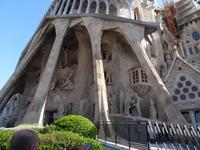Beeindruckende Stützpfeiler der Kirche