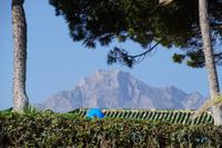 La Concha, der für Marbellas Mikroklima verantwortliche Berg, von der Strandpromenade aus gesehen
