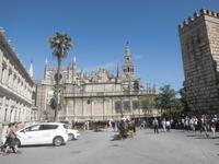 Kathedrale von Sevilla mit Giralda-Turm