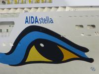 Die AIDAstella im Hafen von Santa Cruz de Tenerife