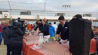 AIDAcara, Deck 10, Offiziere mixen Drinks