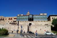 08-10-2016 Salamanca, Palacio Lys, Glaspalast im Jugendstil über klassizistischem Treppenaufgang