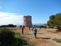 Start der Wanderung am Wachturm in Cala Pi