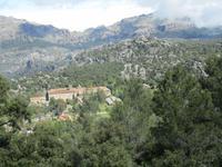 Blick auf das Kloster Kloster Lluc von oben
