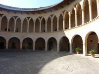 Innenhof des Schloss Bellver