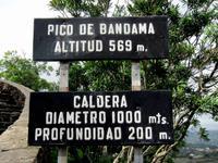 Am Bandama-Krater