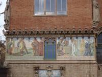 Fresco am Hauptgebäude des Krankenhauses de la Santa Creu i Sant Pau