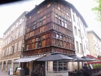 ältestes Fachwerkhaus in Macon - komplett aus Holz