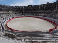 Arles - Amphitheater = Arena