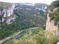 Flusslauf an der Grotte