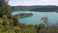 Der Lac du St. Cassien bei Grasse