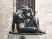 """Perpignan. Rathaushof. Bronzestatue """"La Mediterranae"""" von Maillol"""