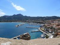Blick auf den Hafen von Calvi