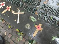 Langemark. Gedenkkreuze