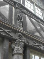 Rouen. Aitre Maclou. Detail (Archiv)