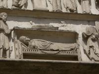 Chartres. Rechtes westportal (Detail). Marie im Wiochenbett