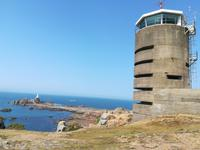 Jersey, Corbière Lighthouse und Hochbunker des Atlantikwalles