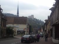 Les Andelys mit Blick zum Chateau Gaillard