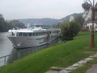 Unser Schiff am Ufer von Les Andelys