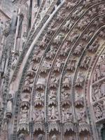 Münster. Teil des erläuterten Bogenfeldes Mittelportal