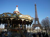 Eiffelturm mit Karussell