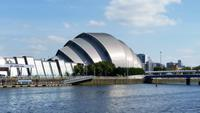Modernes Glasgow am Clyderiver