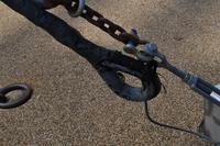 Falls unterarmdickes Stahlseil nicht ausreicht - sicherheitshalber noch ein paar Kabelbinder