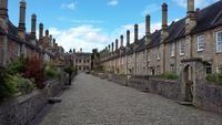 Die mittelalterliche Häuserzeile von Vicar's Close in Wells