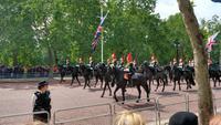 064 Oueen Elisabeth II. - Trooping the Colour (zum 93 Geb.)