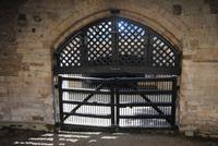 Haupttor durch das die Gefangenen von Flussseite her gebracht wurden