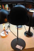 Bowlerhead als Tischlampe umfunktioniert auch das geht in London