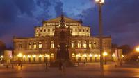 Nachtwächter-Rundgang in der Altstadt Dresdens - Semperoper