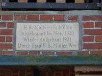 Innschrift über dem Eingang zur Mühle