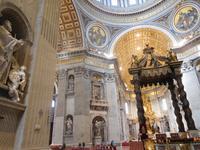Petersdom oder die Basilika Sankt Peter im Vatikan in Rom (1)