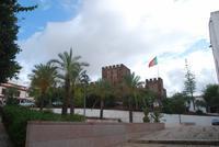 012. Burg in Siles