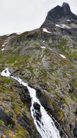 260 Auf den Aussichten der Trollstige, Stigfossen