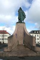 Denkmal vor der Hallgrimskirche