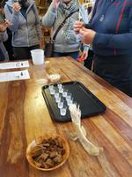 Island, Bjarnahöfn, Verkostung fermentierter Hai und Brennivin
