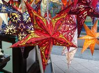 Sterne auf dem Schweriner Weihnachtsmarkt